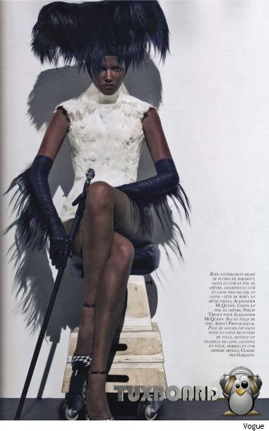 Lara-Stone-noire-Vogue