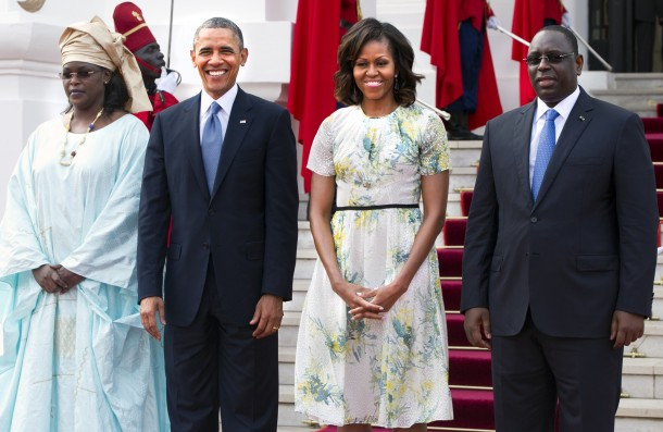 senegal-president-macky-sall-his-wife-marieme-faye-sall-pose-with-president-barack-obama-and-first-lady-michelle-obama-outside-the-presidential-palace-before-meetings-in-dakar_610x397_30